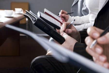 Des intermédiaires pour faciliter les contrats dans le Code des Assurances