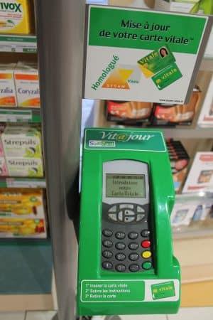 mettre sa carte vitale à jour Carte vitale, la carte d'assurance maladie   AssuRevue.com