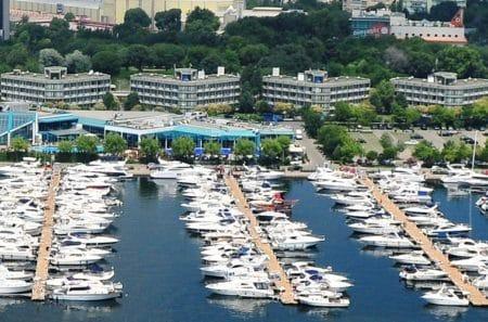 Être en possession d'une assurance bateau facilite l'entrée dans une marina